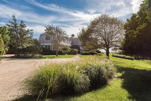 19 Chauncey Close East Hampton, NY 11937