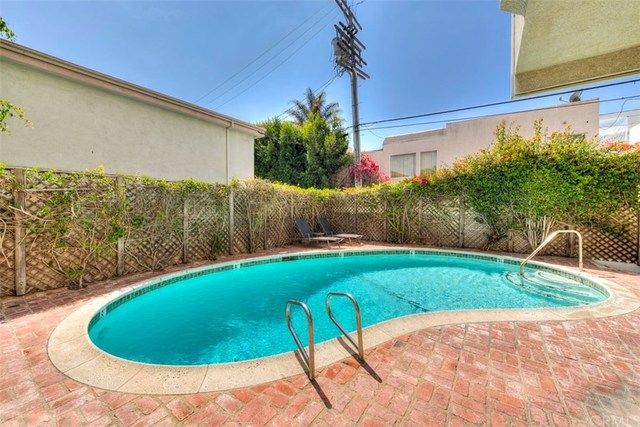 831 South Gretna Green Way, Unit 104 Los Angeles, CA 90049