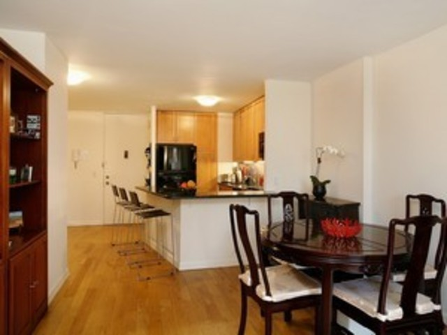 345 East 93rd Street, Unit 6G Image #1