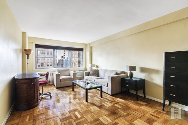 430 West 34th Street, Unit 15C Image #1