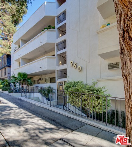 960 Larrabee Street, Unit 323 West Hollywood, CA 90069