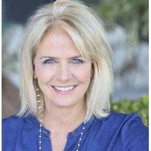 Lisa Geyer,                     Agent in San Francisco - Compass