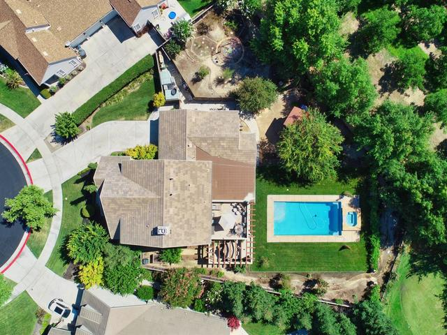 722 Barton Oaks Court Ripon, CA 95366