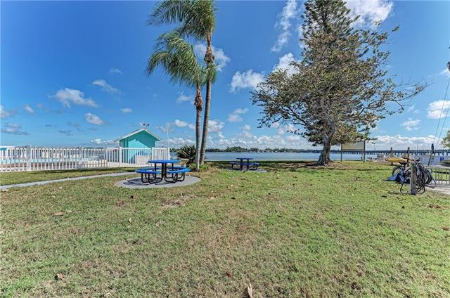 117 7th Street North, Unit 16 Bradenton Beach, FL 34217