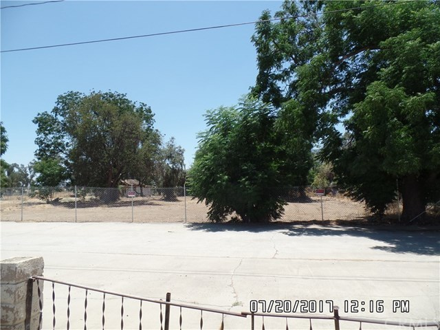 824 East Lakeshore Drive Lake Elsinore, CA 92530