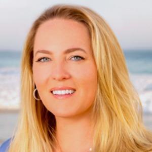 Ashley Rosenhain,                     Agent in Los Angeles - Compass