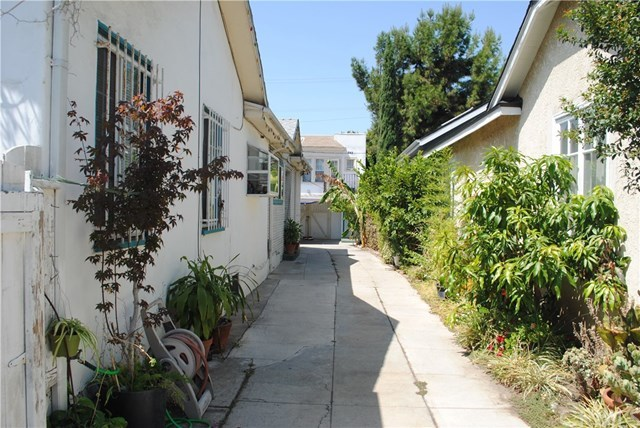 847 North Wilton Place Los Angeles, CA 90038
