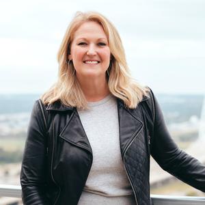 Susan Scull,                       Agent in Dallas-Fort Worth - Compass