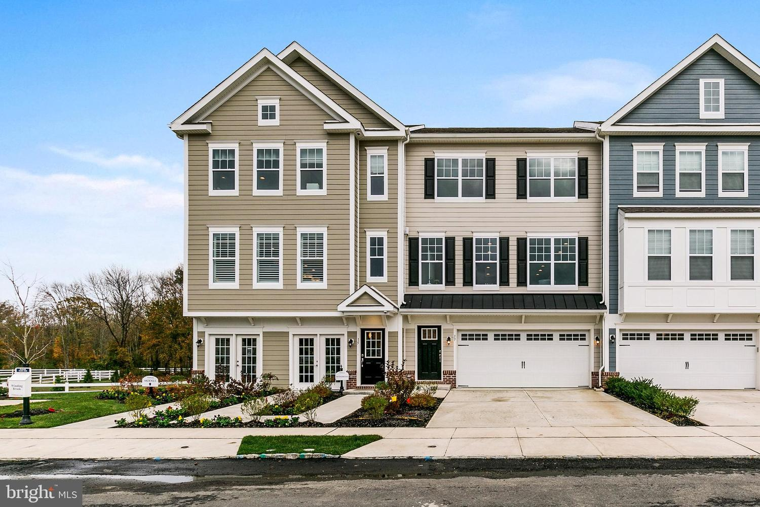 12 Bluff Court Marlton, NJ 08053