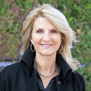 Jill Kandell, Agent in The Hamptons - Compass