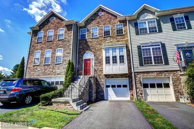 925 Buttonwood Terrace Northeast Image #1