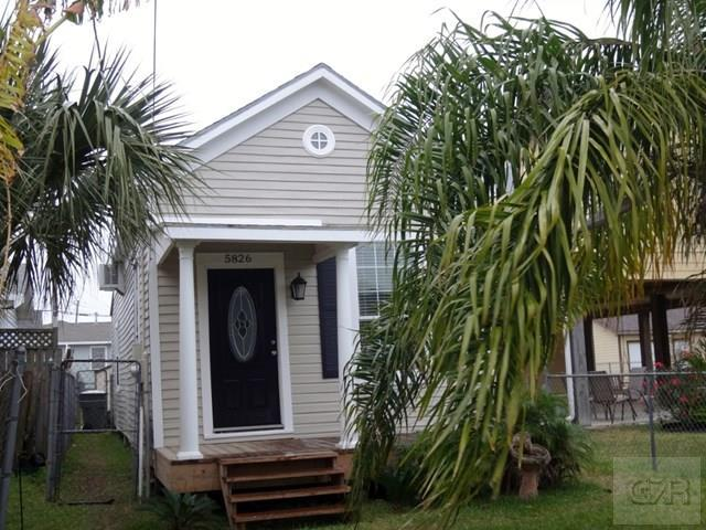 5826 Avenue S 1/2 Galveston, TX 77551