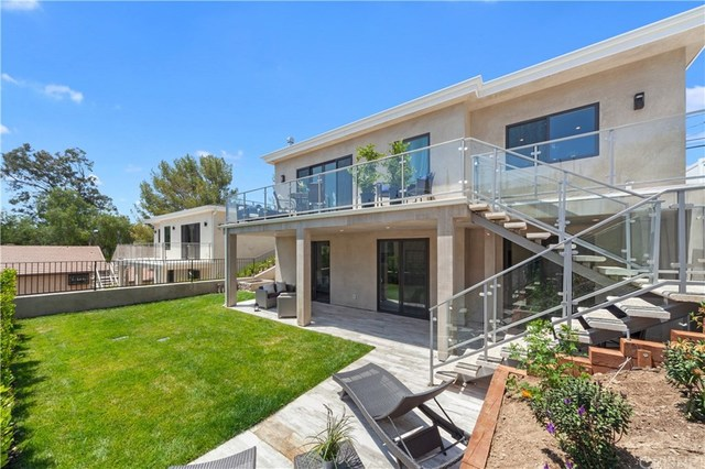 23714 Valley View Calabasas, CA 91302