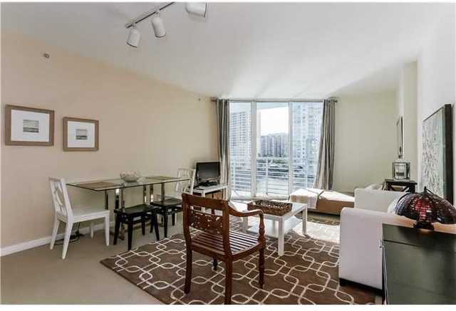 325 South Biscayne Boulevard, Unit 717 Image #1