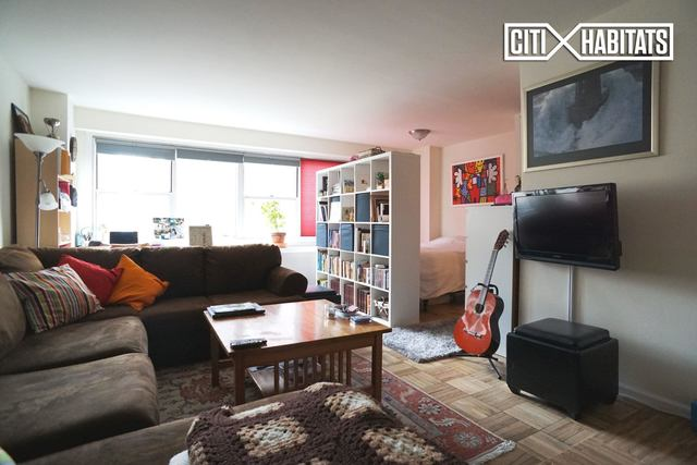 430 West 34th Street, Unit 9E Image #1