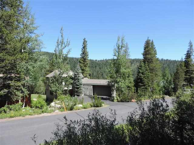 3101 Mountain Links Way Olympic Valley, CA 96146