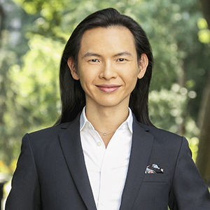 Jeremy Hu,                     Agent in NYC - Compass