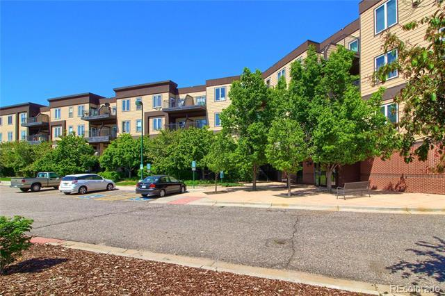 15475 Andrews Drive, Unit 421 Denver, CO 80239