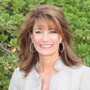 Monica Meredith,                     Agent in San Diego - Compass