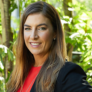 Lauren Brooker,                     Agent in Miami - Compass