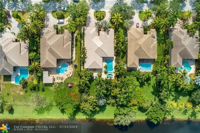 2921 West Lake Vista Circle Davie, FL 33328