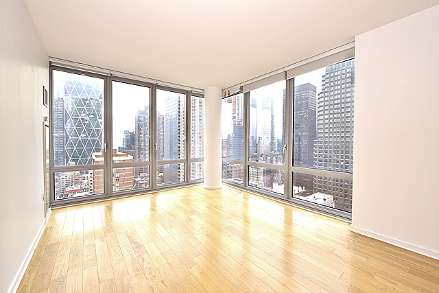 310 West 52nd Street, Unit 27J Image #1