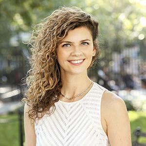 Justyna Czekaj,                   Agent in NYC - Compass