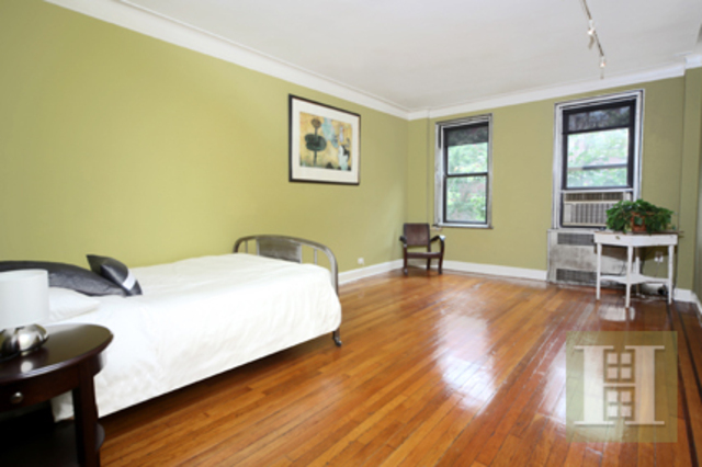 166 West 22nd Street, Unit 2B Image #1