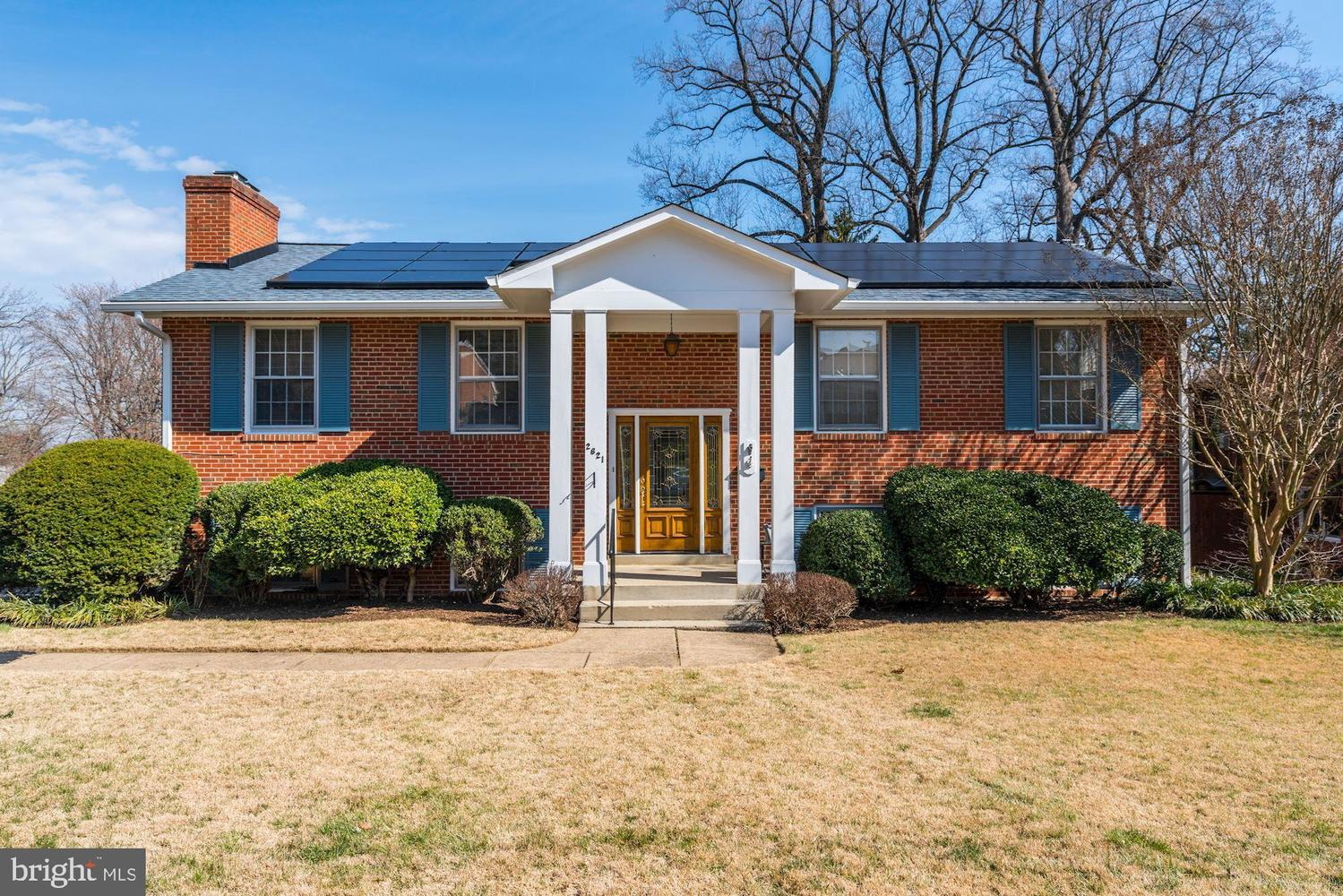 2621 Woodley Place Falls Church, VA 22046