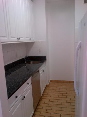 380 Rector Place, Unit 7B Image #1