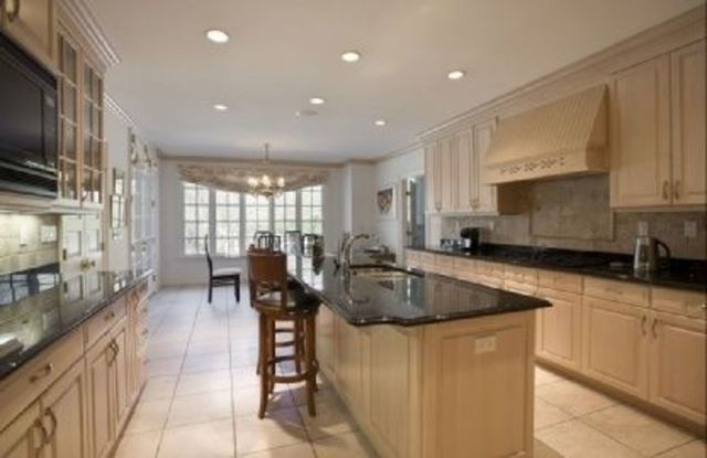 67 Hither Lane East Hampton, NY 11937