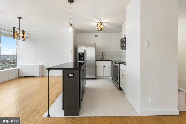224 West Rittenhouse Square, Unit 2311 Philadelphia, PA 19103