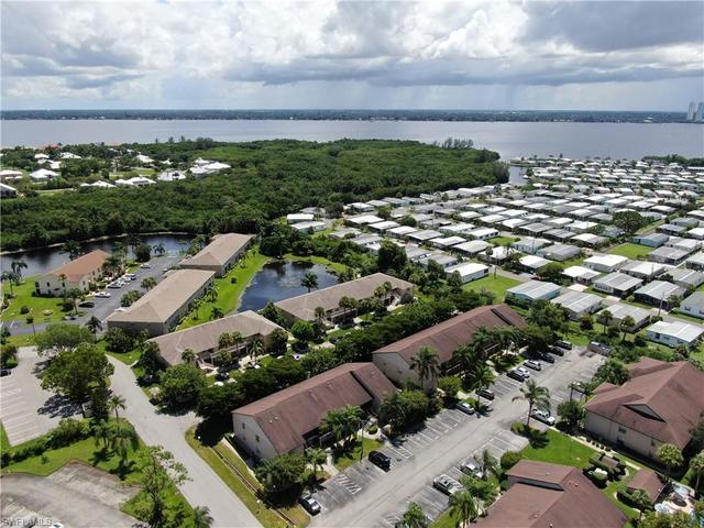 5721 Foxlake Drive, Unit 6 North Fort Myers, FL 33917