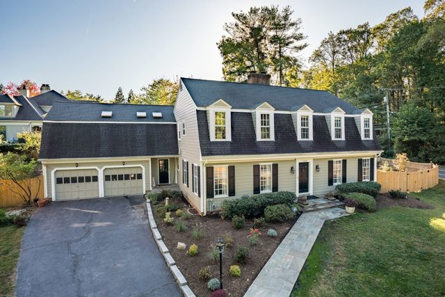 7259 Spring Side Way McLean, VA 22101