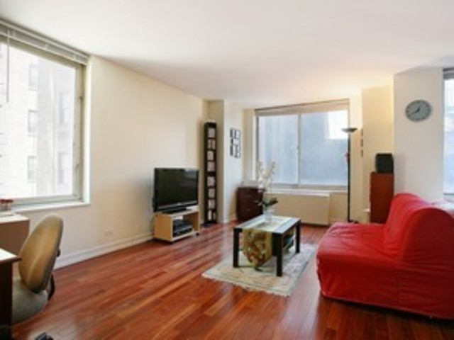 145 East 48th Street, Unit 10B Image #1