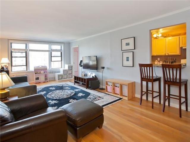 415 Beverley Road, Unit 5R Image #1