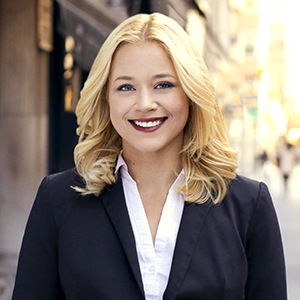 Taylor Nygaard,                     Agent in NYC - Compass