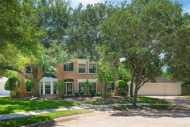 7202 Fireside Court Sugar Land, TX 77479