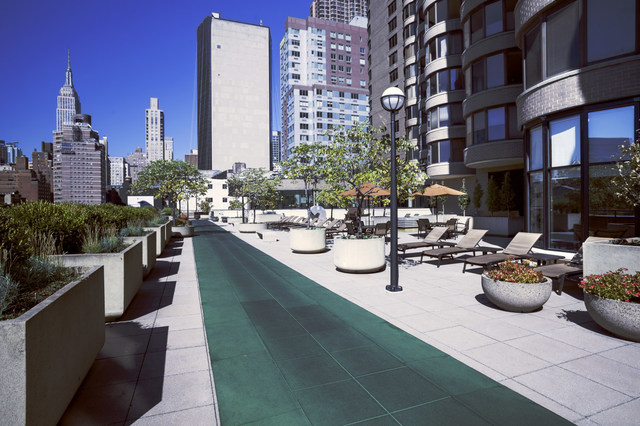 330 East 38th Street, Unit 29J Manhattan, NY 10016