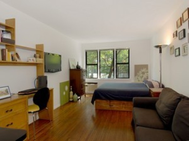 324 East 35th Street, Unit 2D Image #1