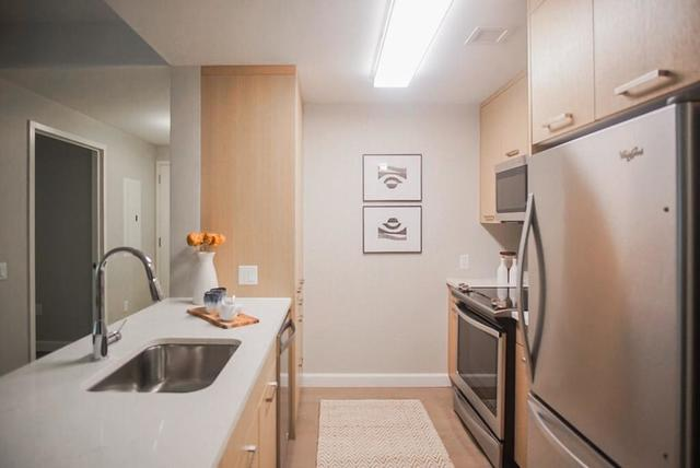 101 Beverly Street, Unit PH2N Boston, MA 02114