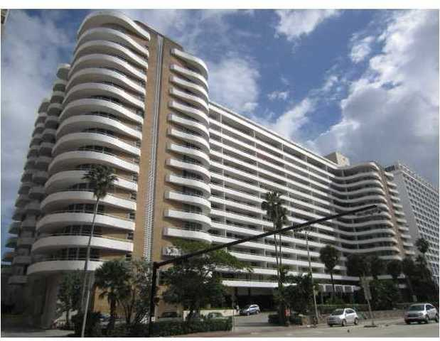5555 Collins Avenue, Unit 5P Image #1