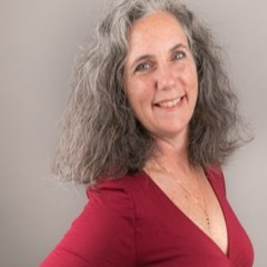 Sallyann Clarke,                     Agent in San Francisco - Compass