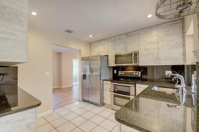 884 Northwest 6th Terrace Boca Raton, FL 33486