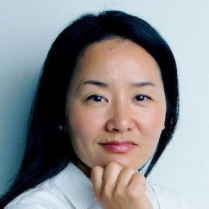 Min Kim,                       Agent in Chicago - Compass