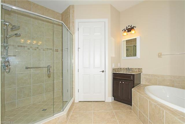 12046 Covent Garden Court, Unit 902 Naples, FL 34120