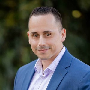 Christian Tapia, Agent in Los Angeles - Compass