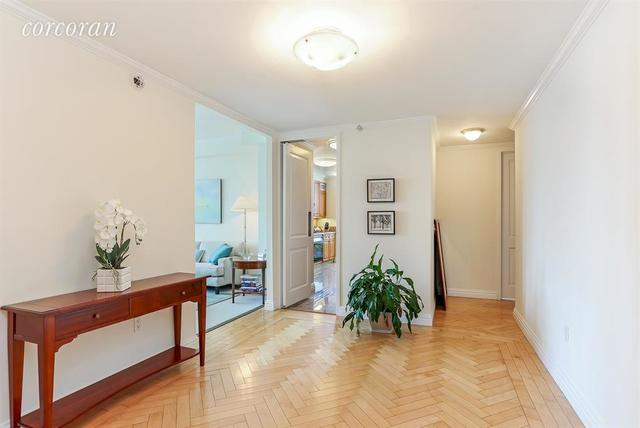 188 East 78th Street, Unit 21A Image #1