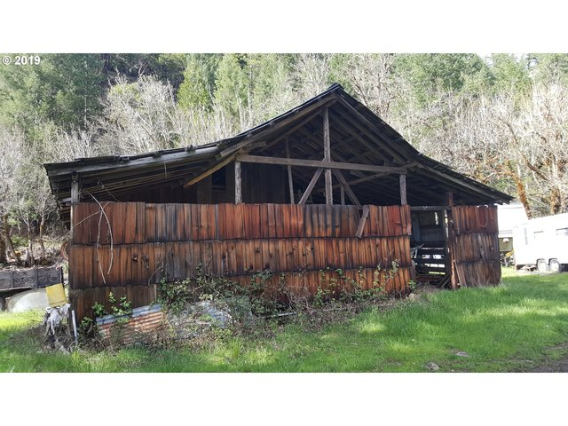 10126 South Umpqua Road Tiller, OR 97484