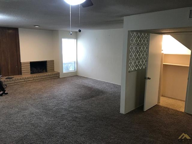 5301 Demaret Avenue, Unit 11 Bakersfield, CA 93309